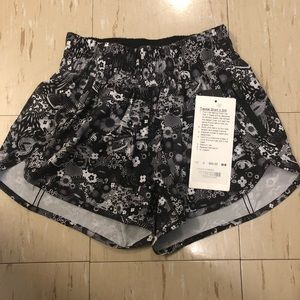 NWT Lululemon Seawheeze Counter Culture Shorts